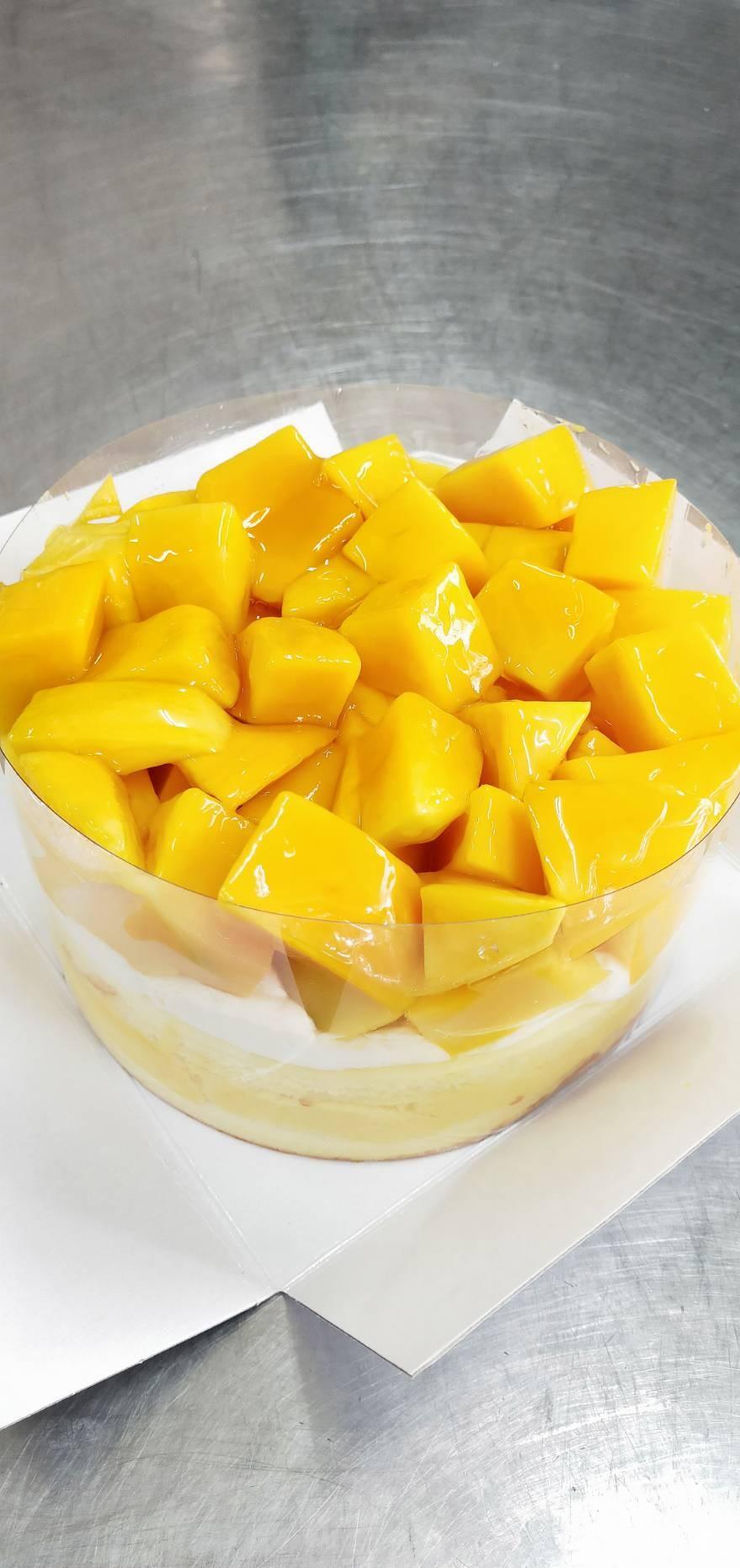 7吋新鮮芒果爆多蛋糕(圓型)