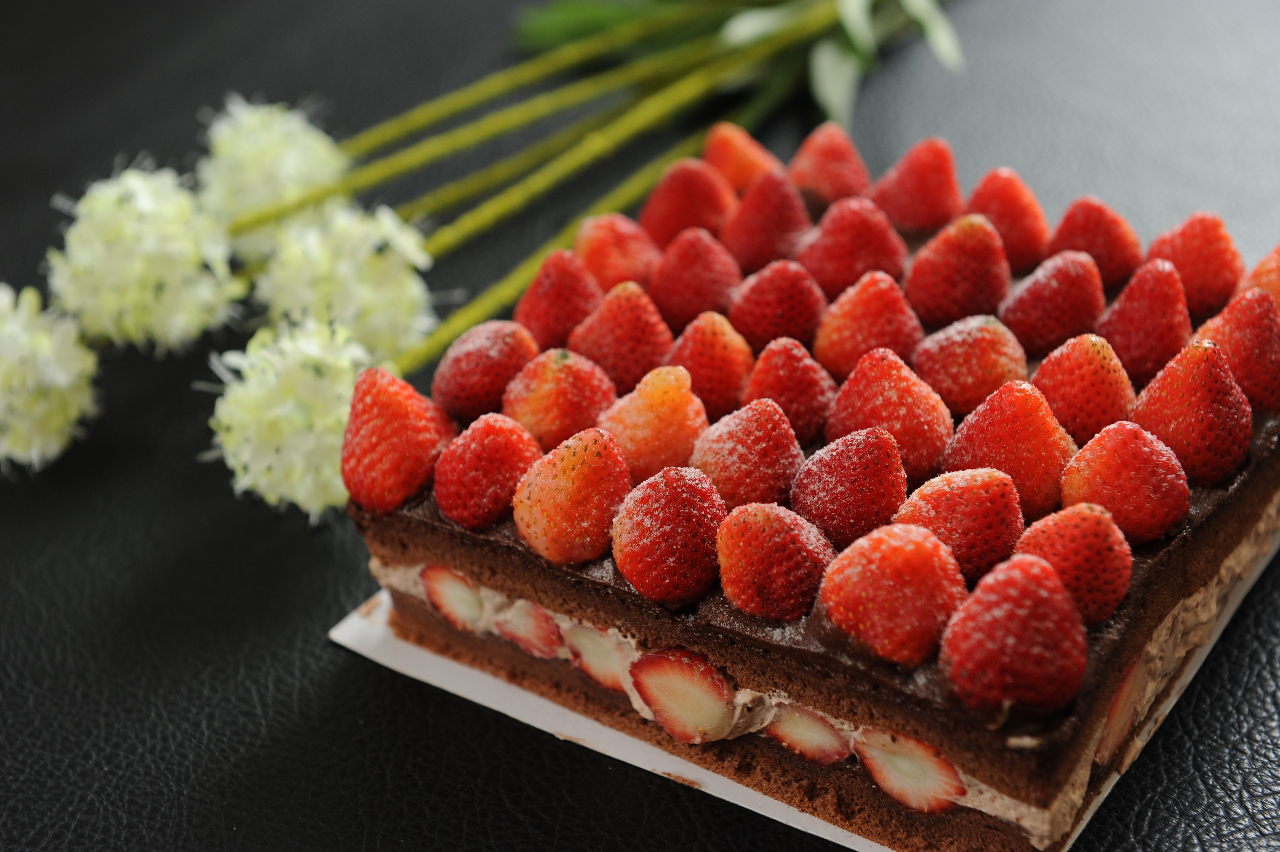 新巧屋巧克力草莓爆多蛋糕(12月~4月)(方型)